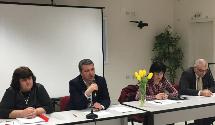 Областният съвет на БСП подкрепи подписката срещу скандалната сделка на ЧЕЗ